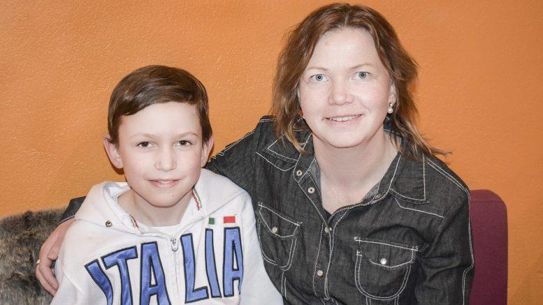 Arvid Hulkki Sandberg och hans mamma Camilla Hulkki är de drivande krafterna bakom skateboardparken som de hoppas bli till verklighet snart.